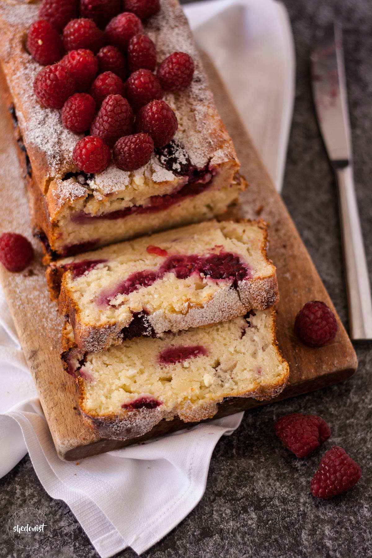mufffin-raspberries-bread-2
