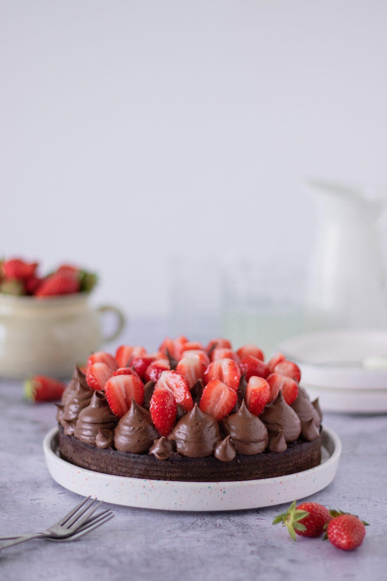 Čokoladna torta s jagodama